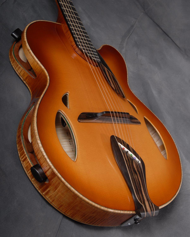 Mirabella Guitars Trapdoor Carmella