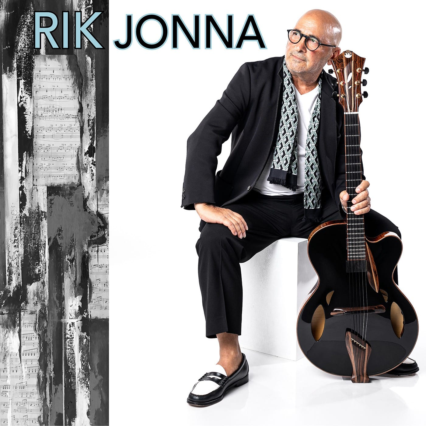 Rik Jonna Plays Mirabella Guitars